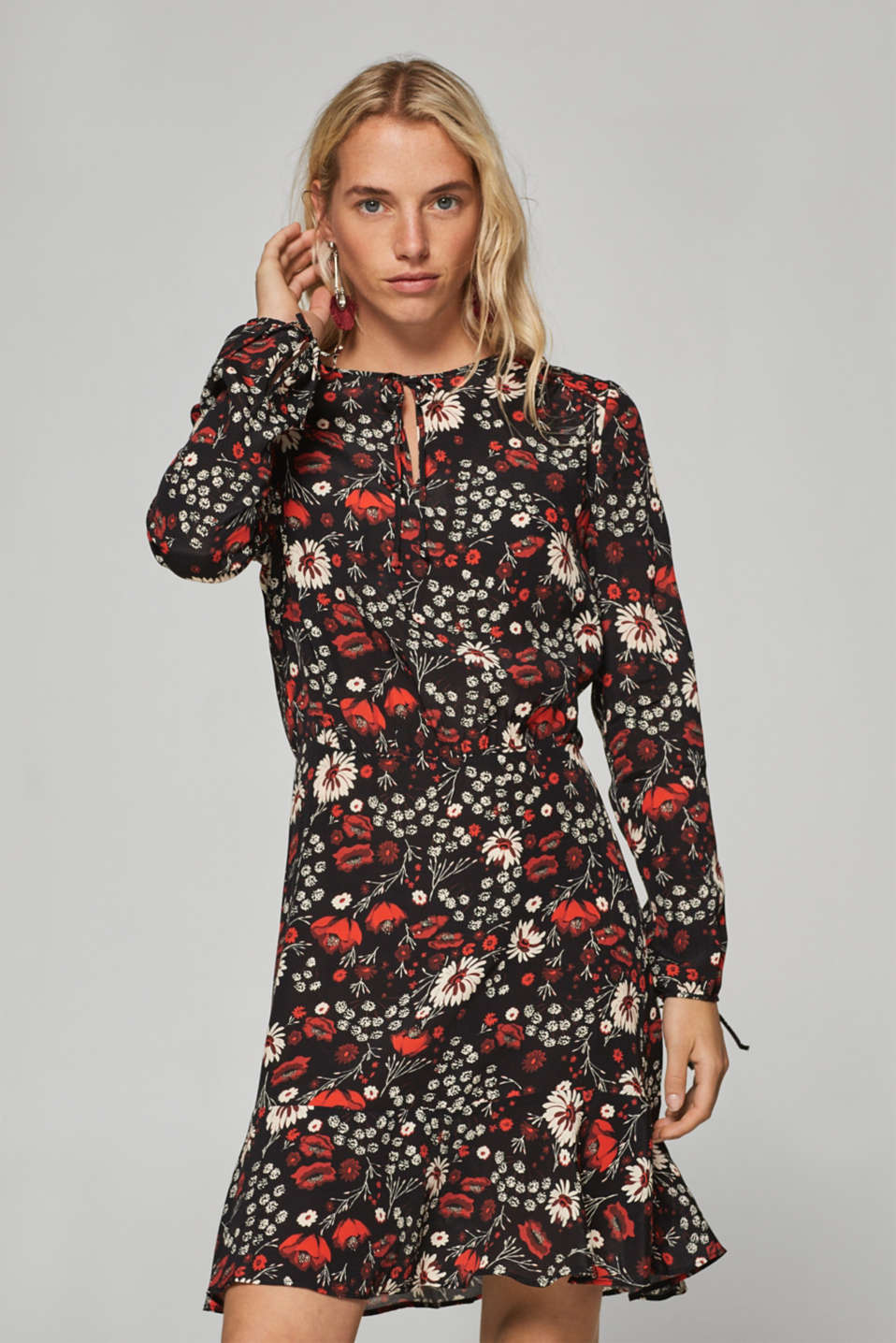 Esprit - Flared crêpe dress with a floral print