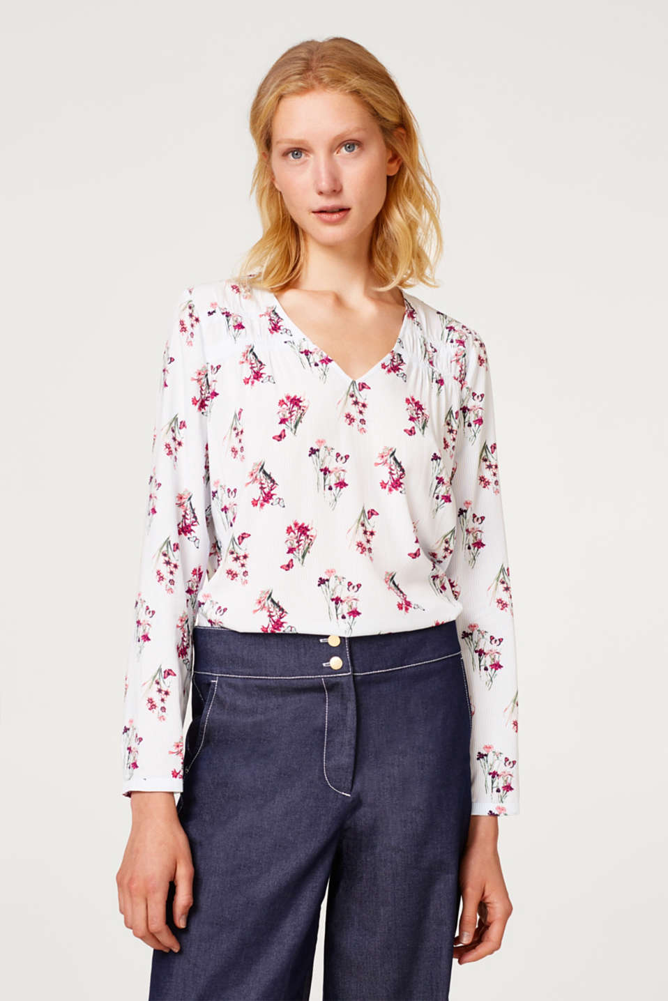 Esprit - Printed blouse with gathered shoulder seams