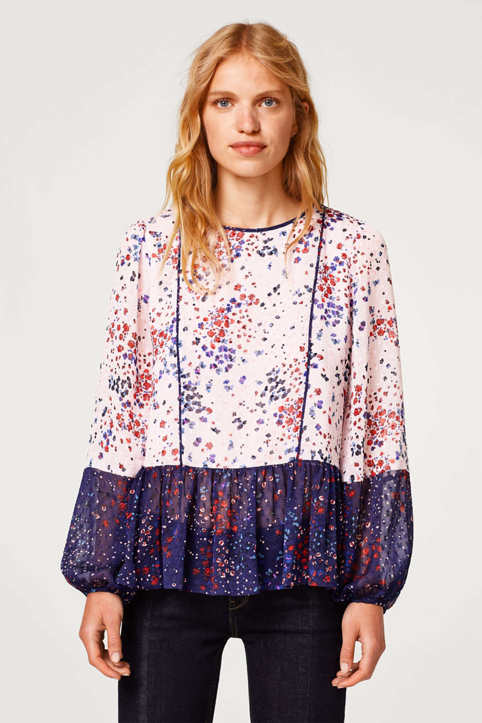 Esprit - Chiffon tunic blouse with a floral print