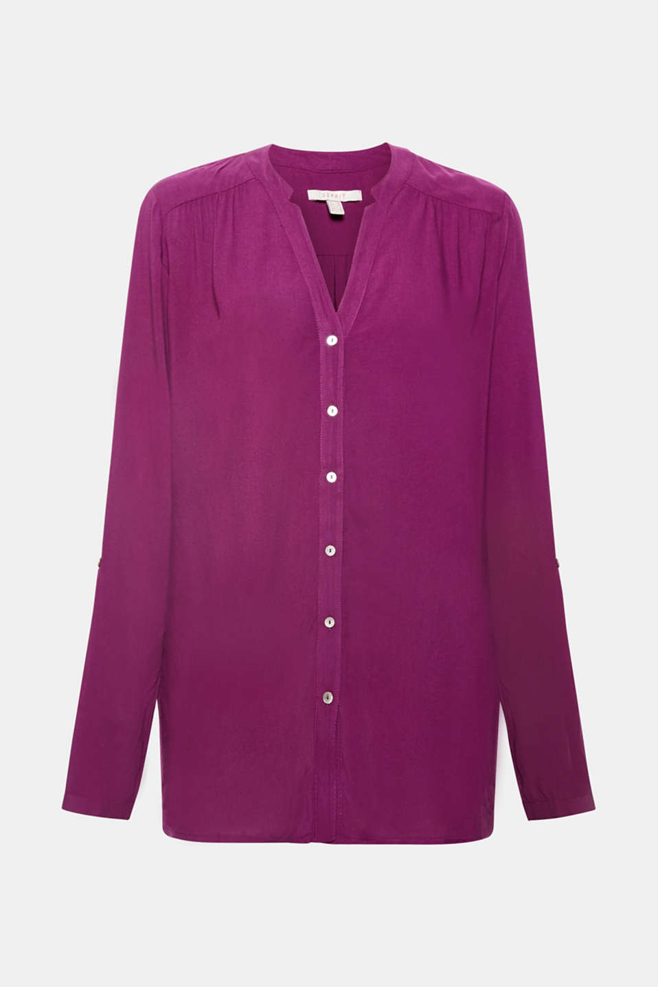 This flowing Henley blouse with adjustable turn-up sleeves and a casual cut is a great piece for many different occasions!