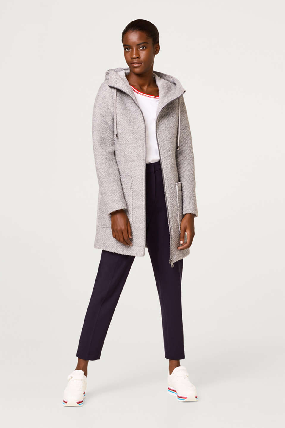 Made of blended wool: zip-up hooded coat