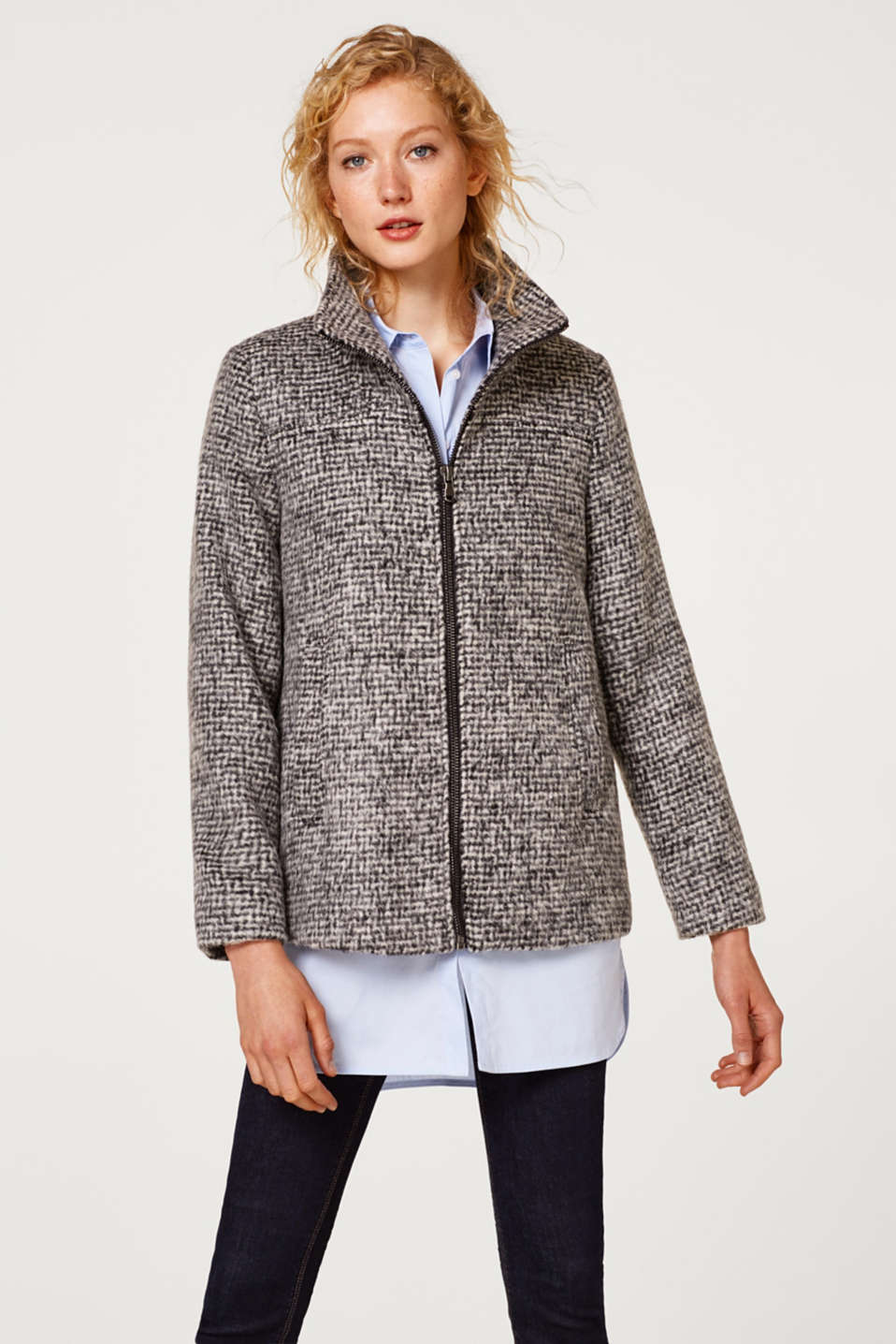 Esprit - Made of blended wool: jacket with a brushed check pattern