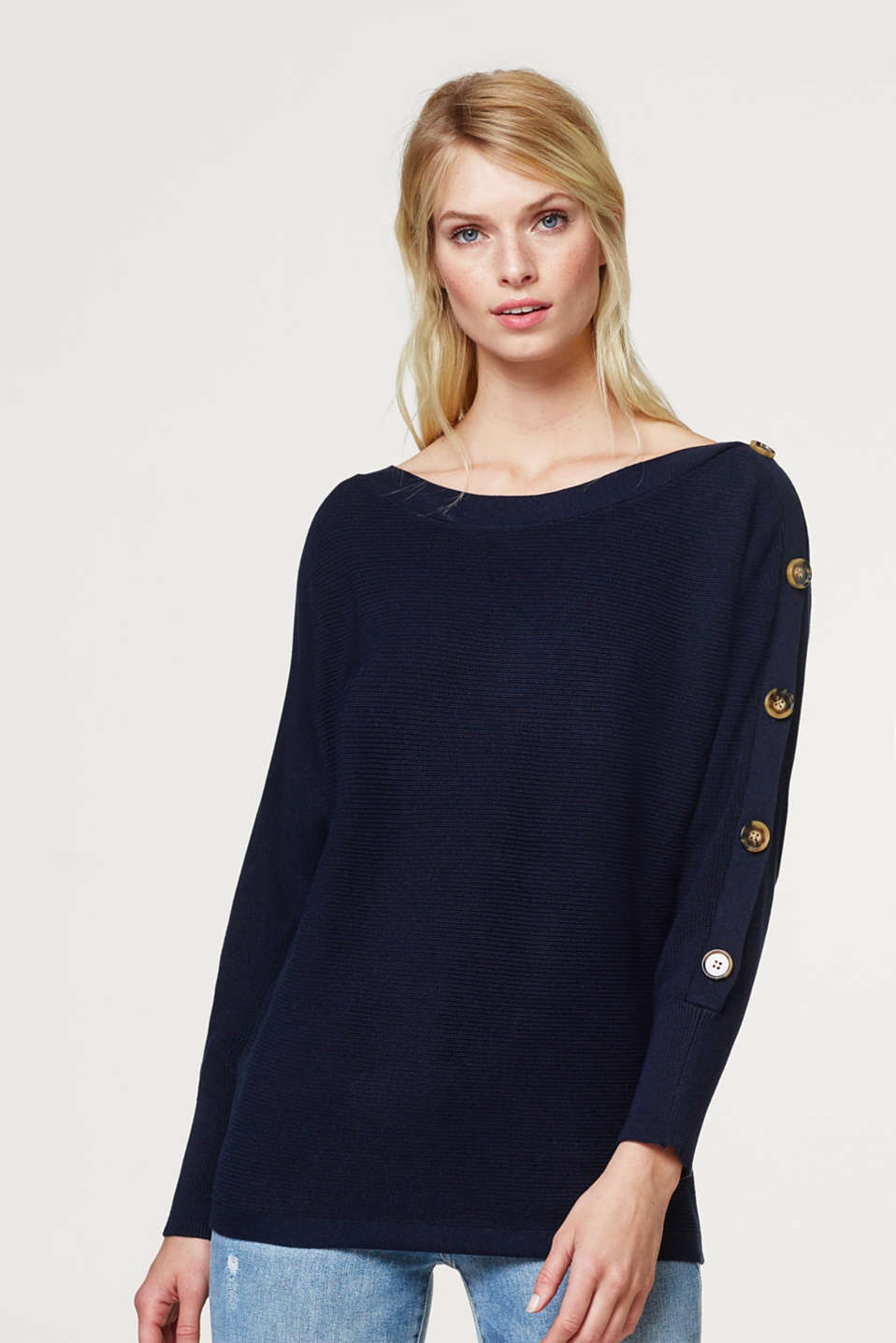 Esprit - Batwing jumper with a decorative button placket