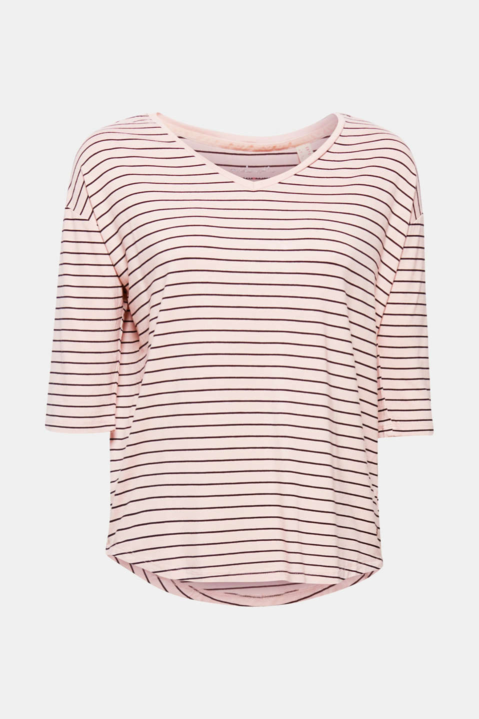 This stretch T-shirt with sporty stripes is smooth on the skin, very versatile and super trendy thanks to its mock oversized cut, V-neckline and three-quarter length sleeves!