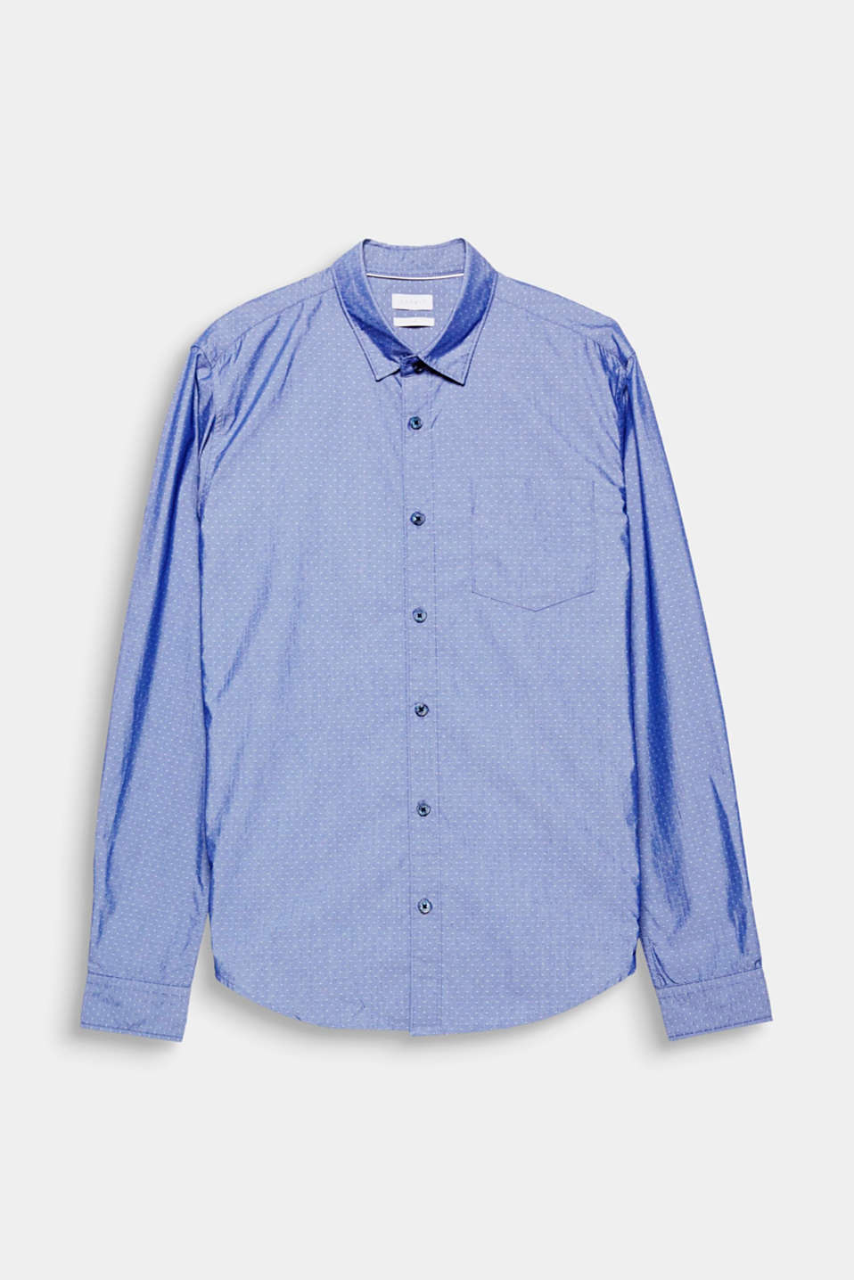 The  COOLMAX® technology makes this chambray shirt pleasantly cool no matter what the weather.