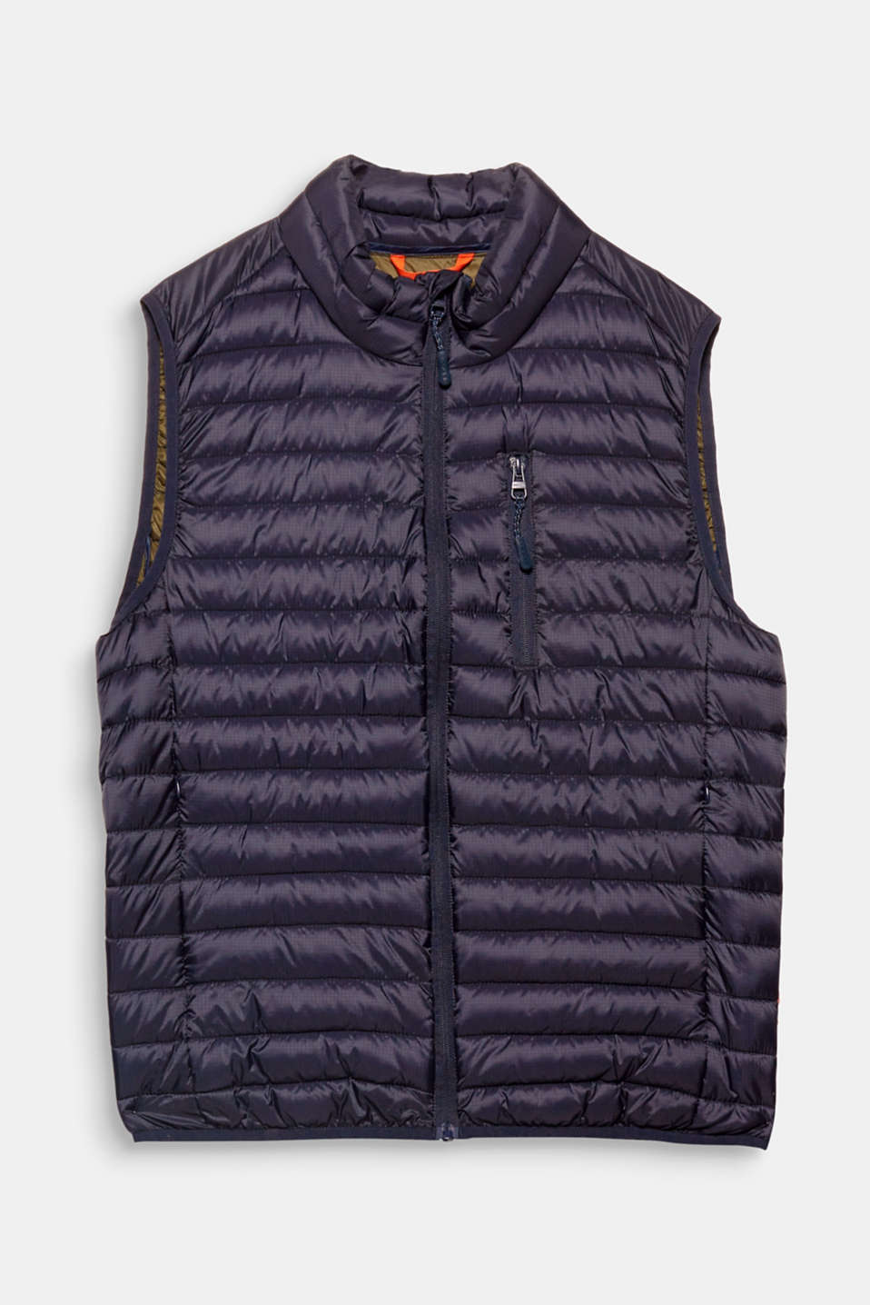 An outerwear classic: the quilted gilet The Thinsulate padding not only stores body heat, it is also wonderfully lightweight.