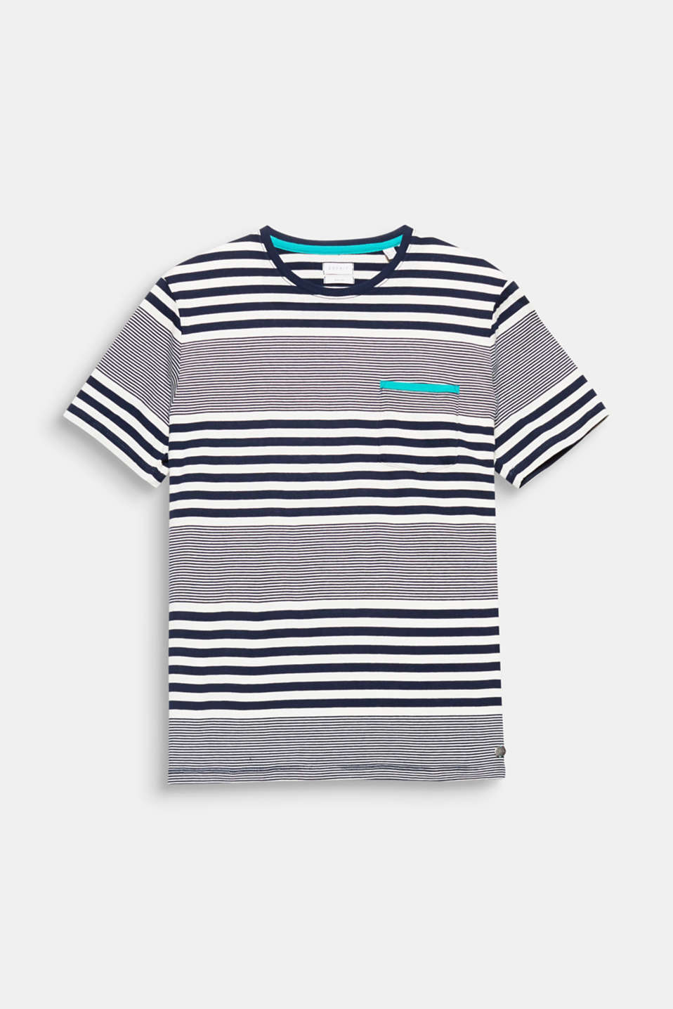 The fine hoops and nautical stripes give this pure cotton T-shirt a distinctive sporty look.