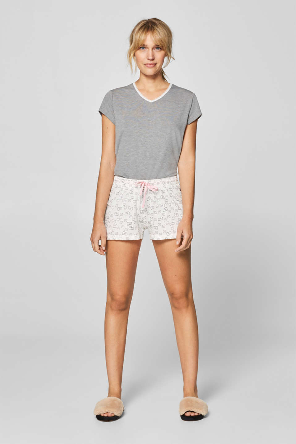 Esprit - Lightweight cotton shorts with a ghost print