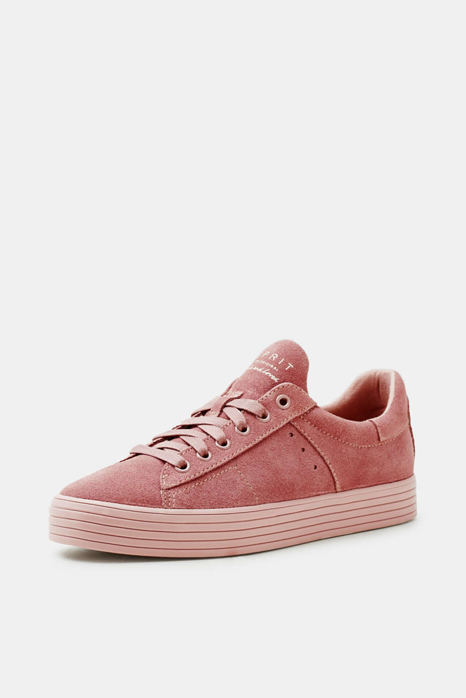 Trendy trainers in suede