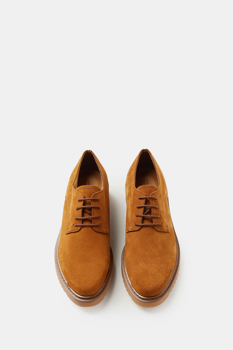 Lace-up leather shoes with a platform sole