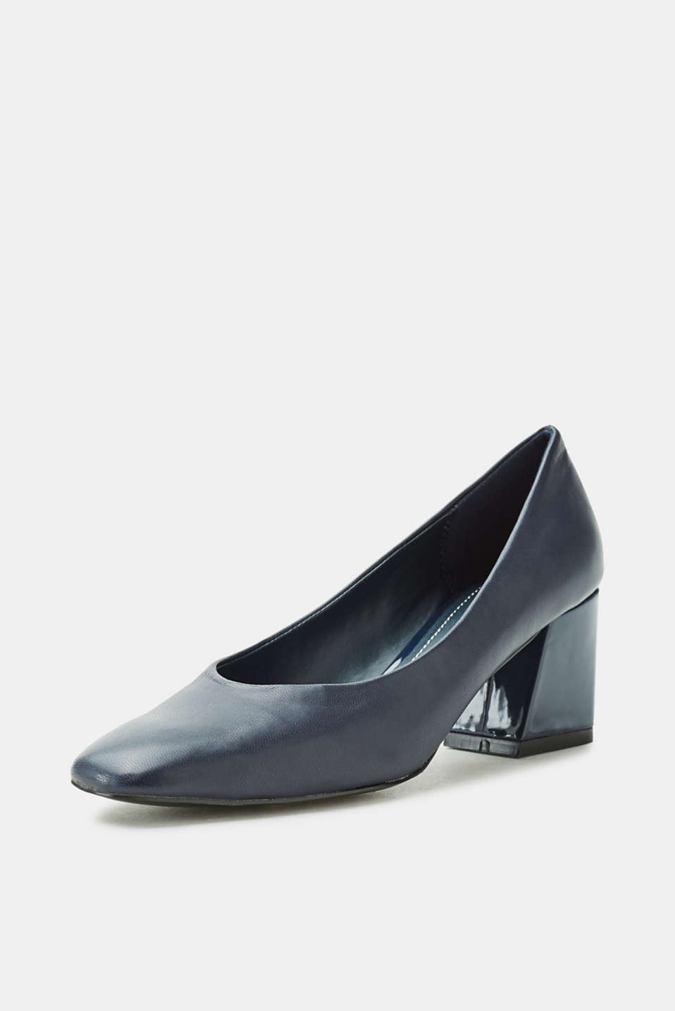 Court shoes with a block heel