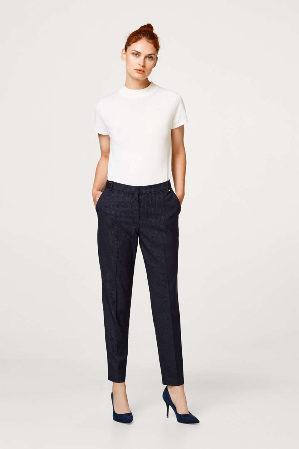 Esprit - Stretch trousers in a tracksuit style with jacquard polka dots
