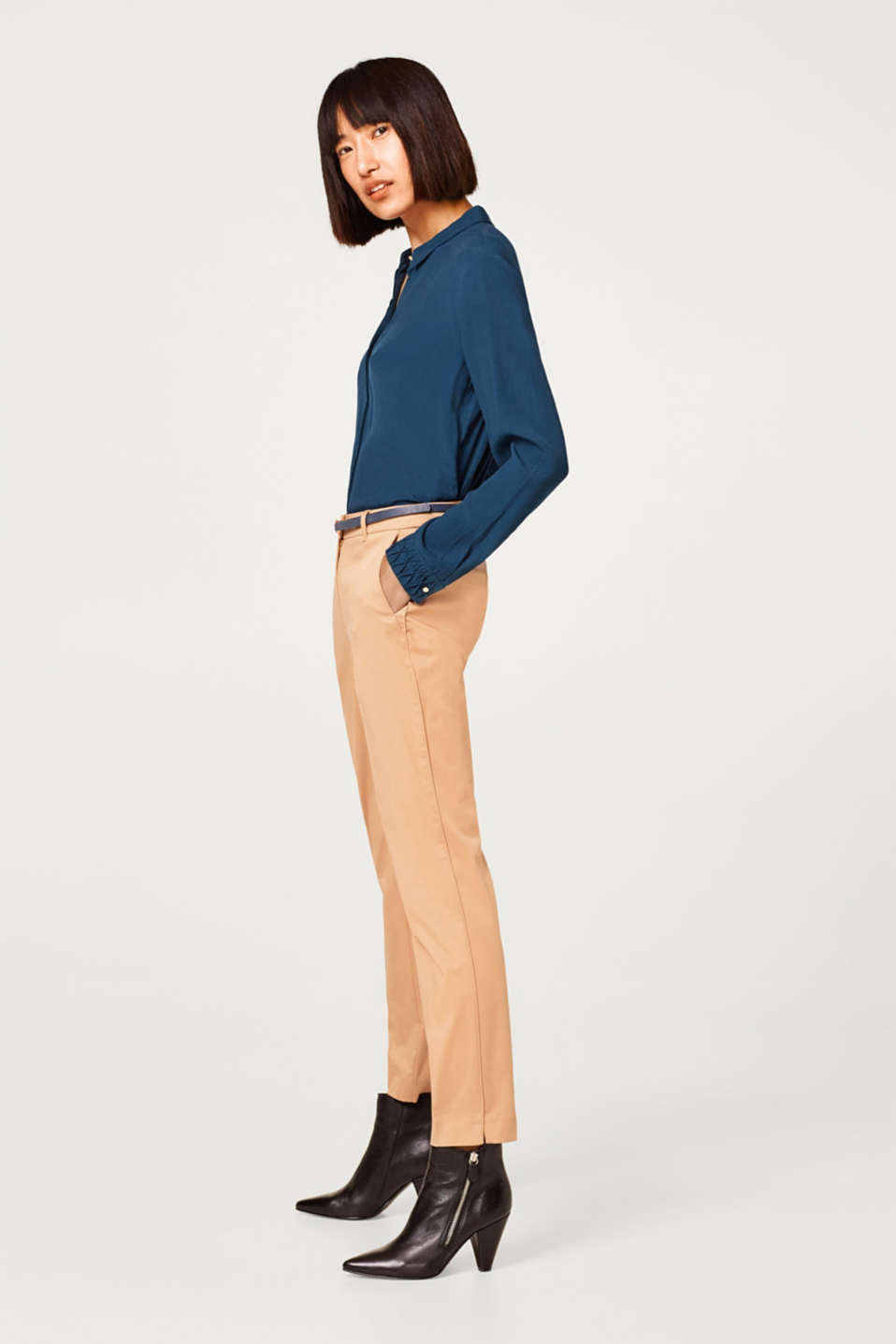 Esprit - Cotton stretch trousers with a belt