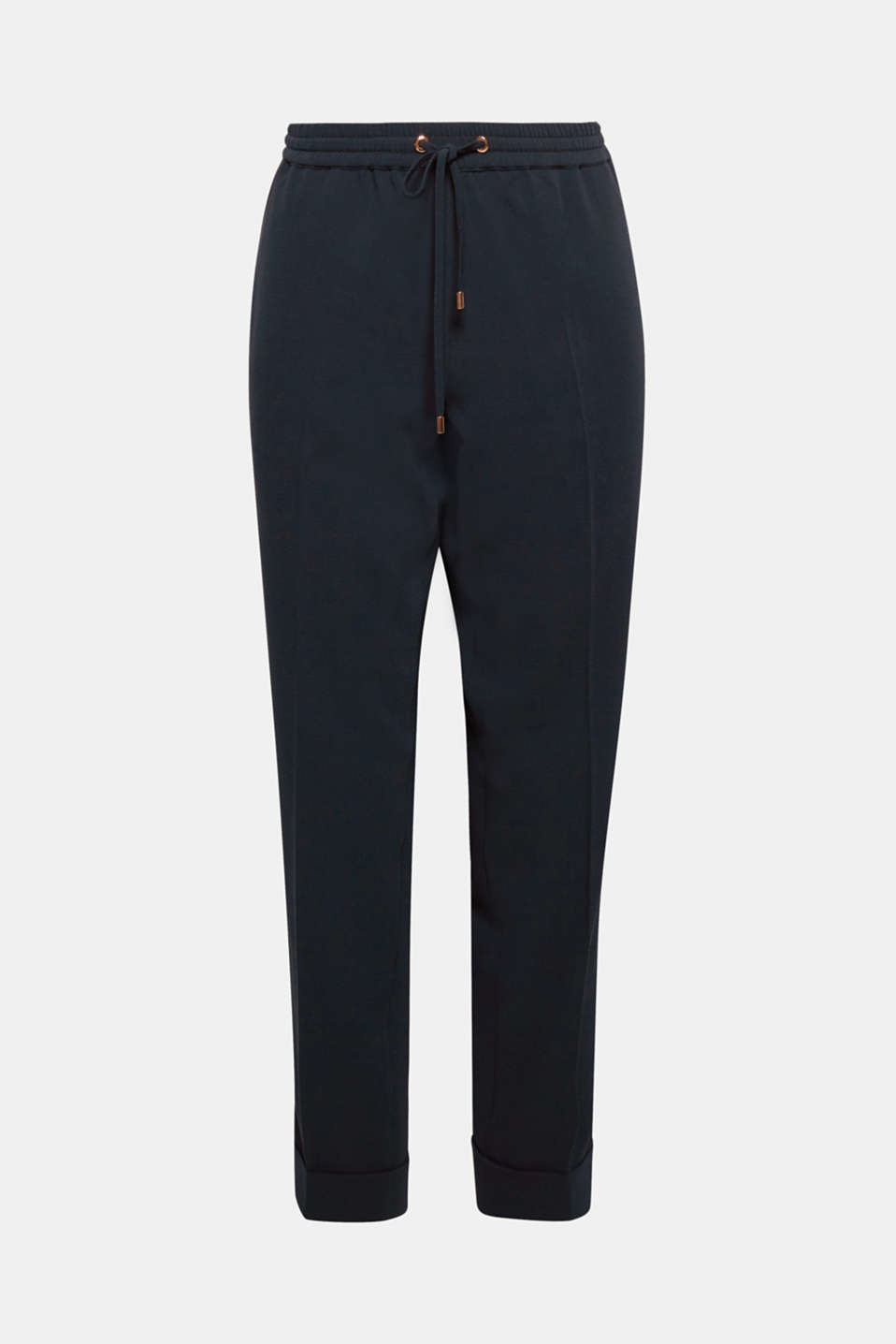 Combined with a blouse for a chic look or sporty and laid-back with trainers, this loosely draped crêpe trousers are particularly easy to mix and match.
