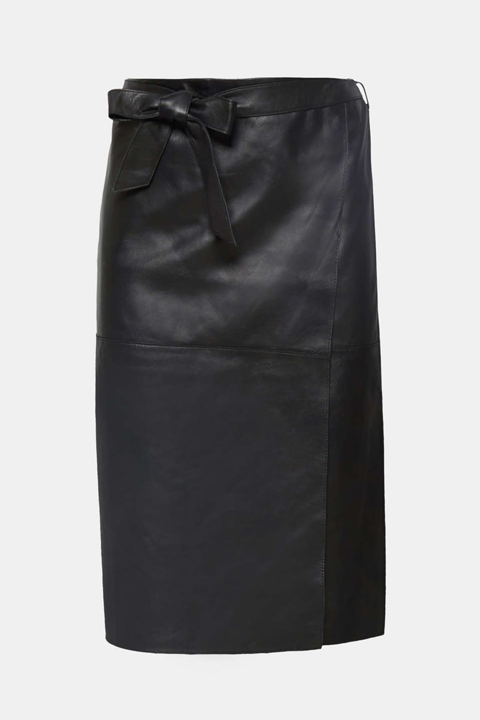 This narrow skirt made of premium smooth leather featuring a fixed, wrap-over effect and tie-around belt looks elegant and stylish!