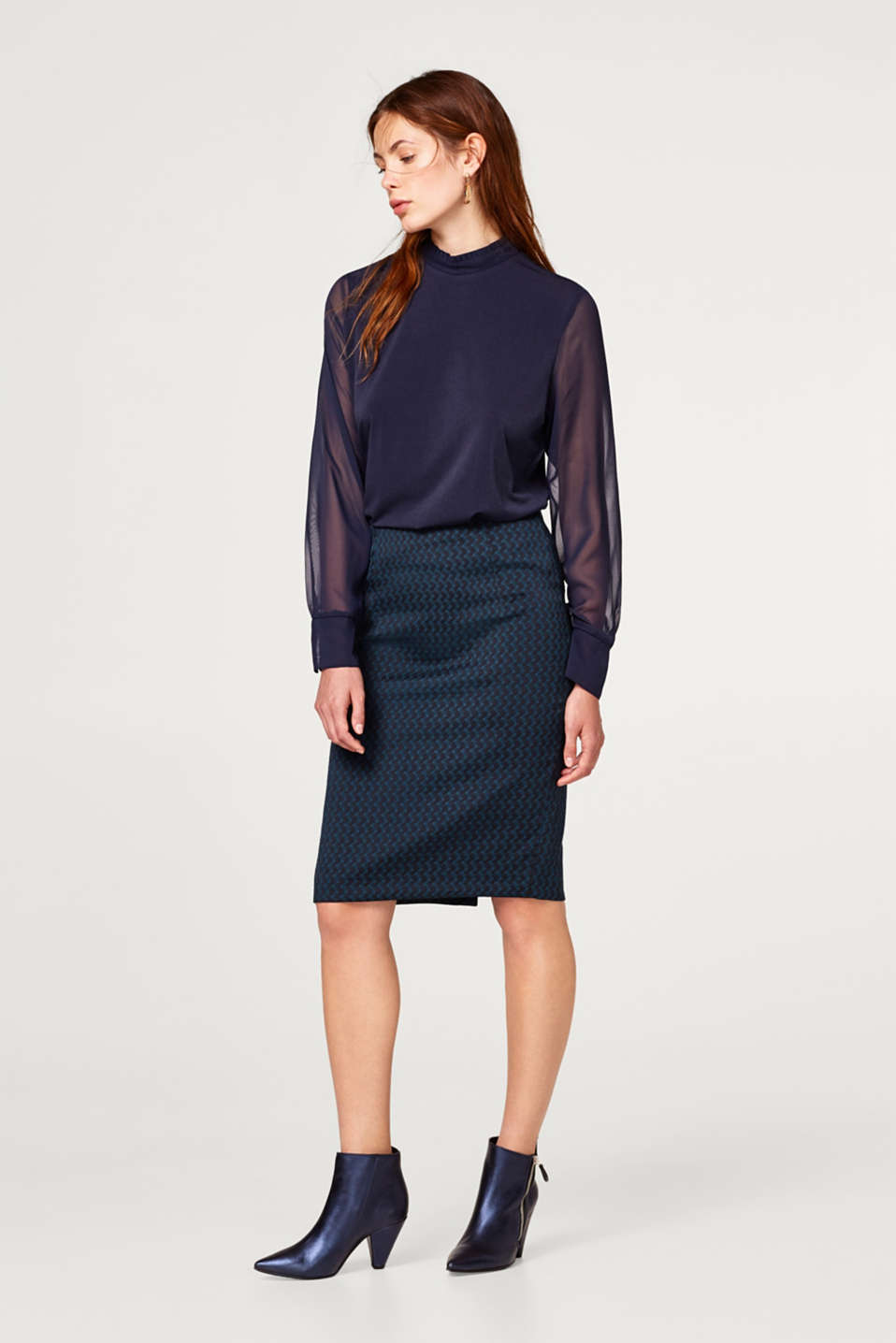 Esprit - Pencil skirt with a jacquard pattern