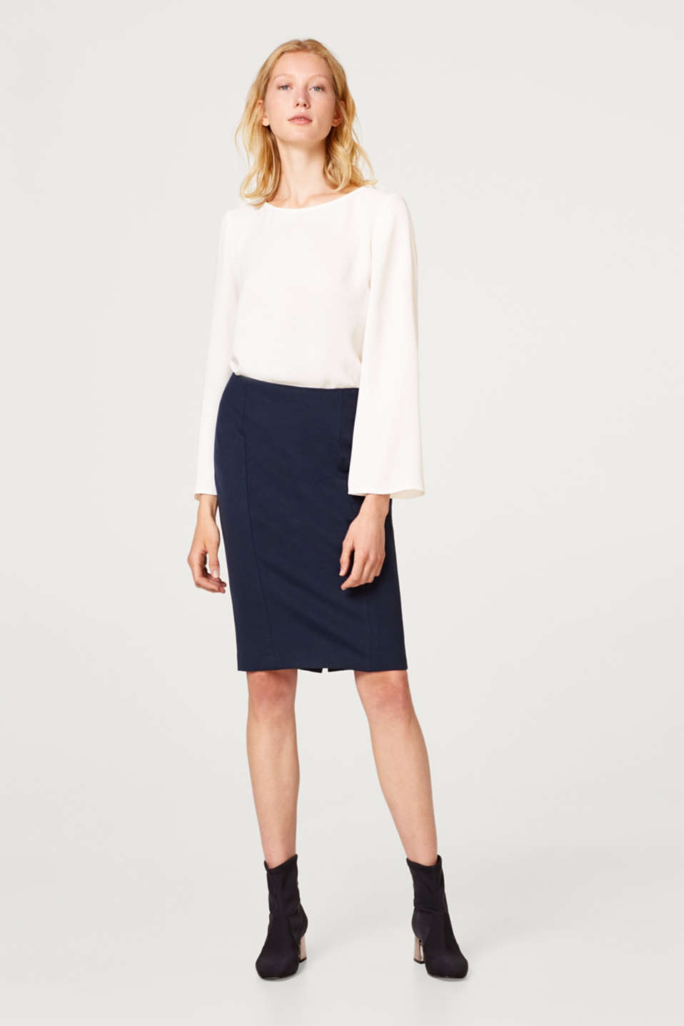 Pencil skirt with a shaping effect