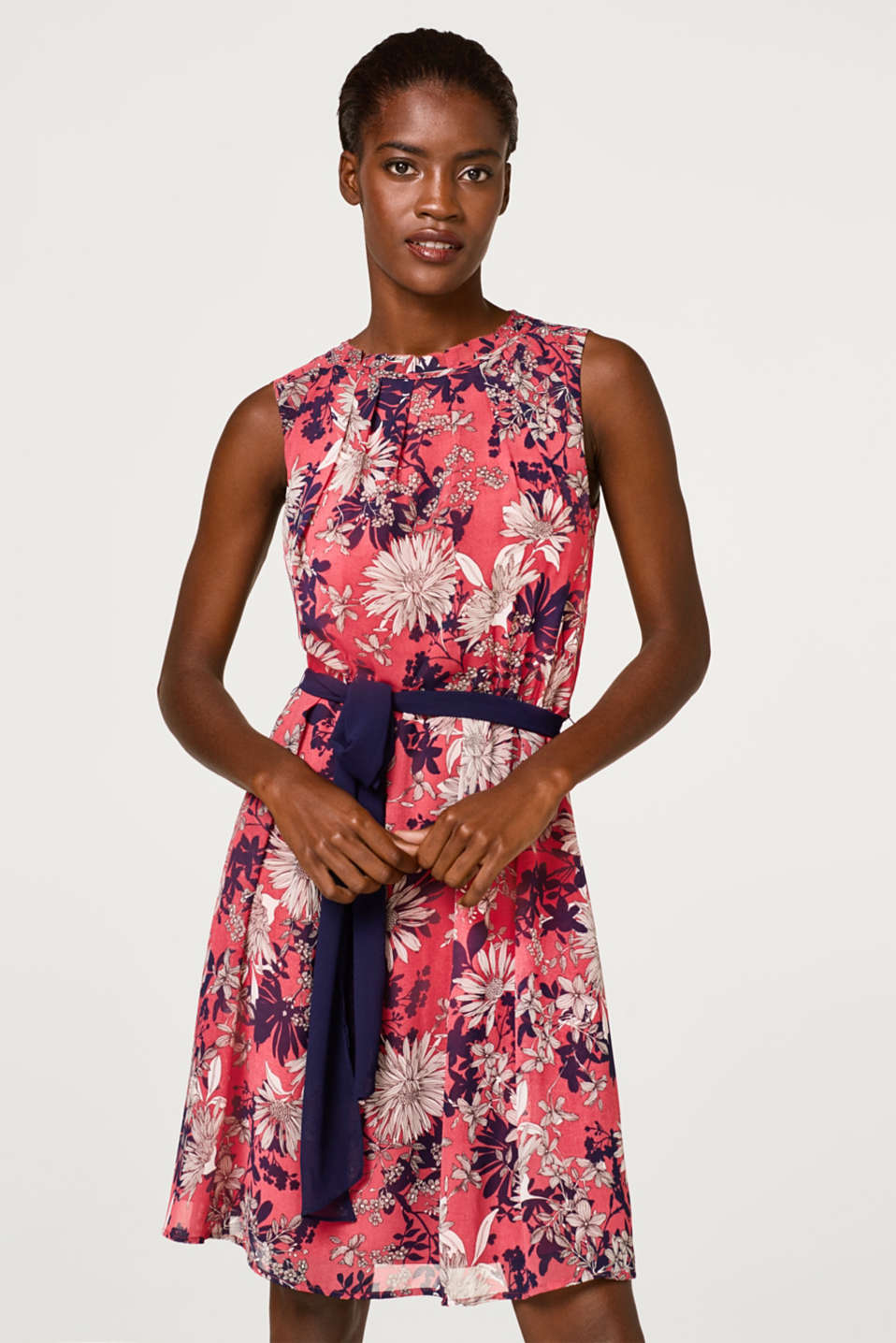 Esprit - Chiffon dress with a flower print and belt