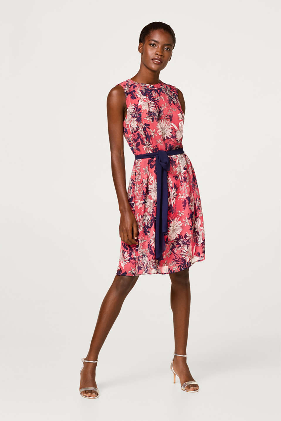 Chiffon dress with a flower print and belt