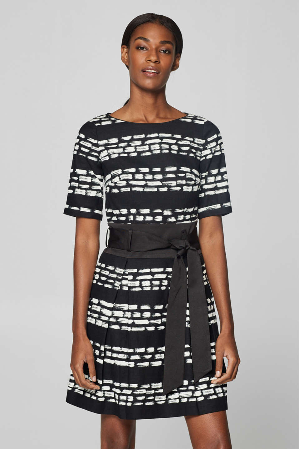 Esprit - Printed and textured stretch dress
