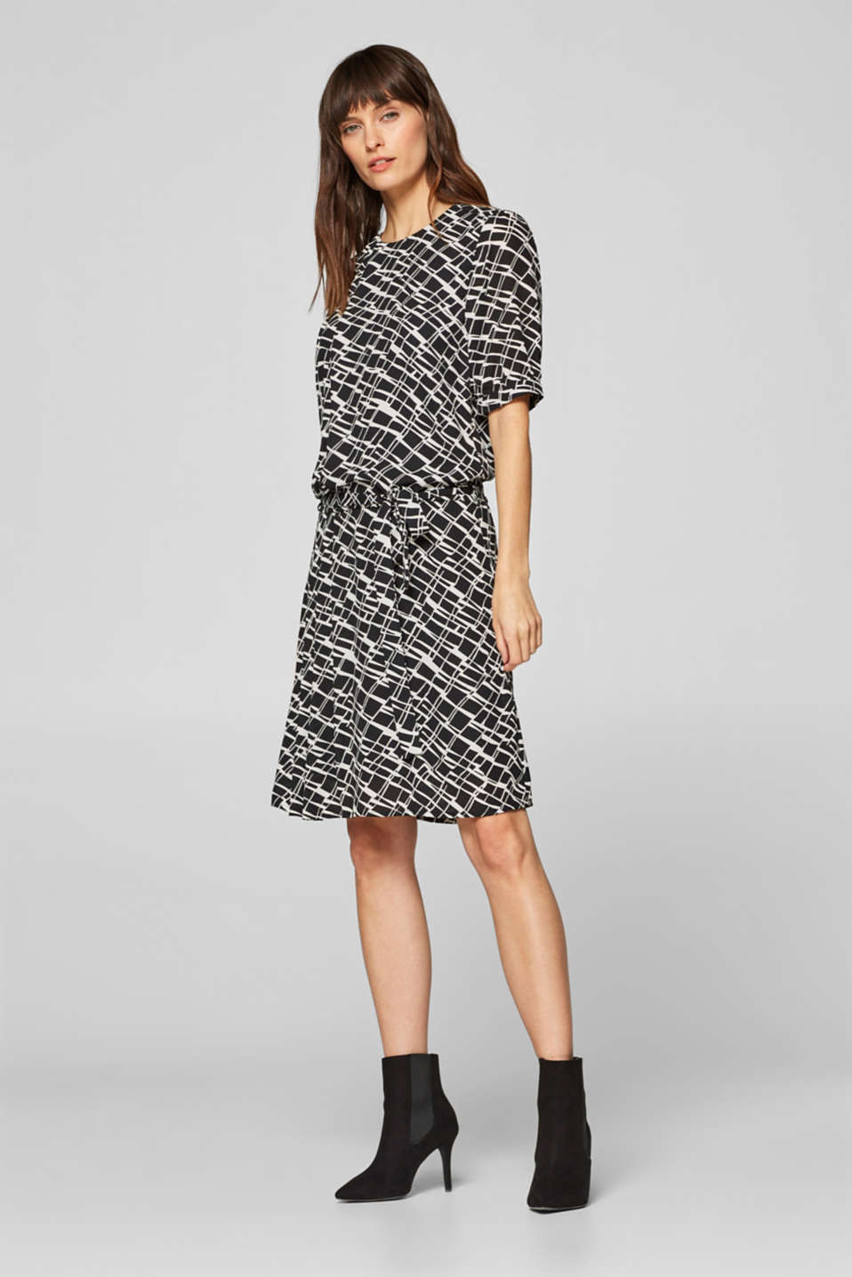 Esprit - Dress with a graphic print