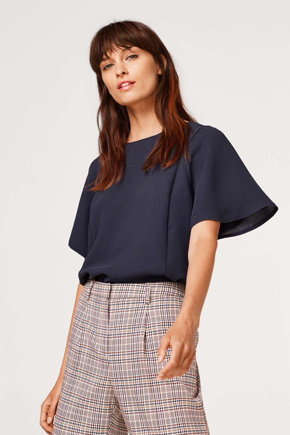 Esprit - Cap sleeve blouse made of crêpe fabric