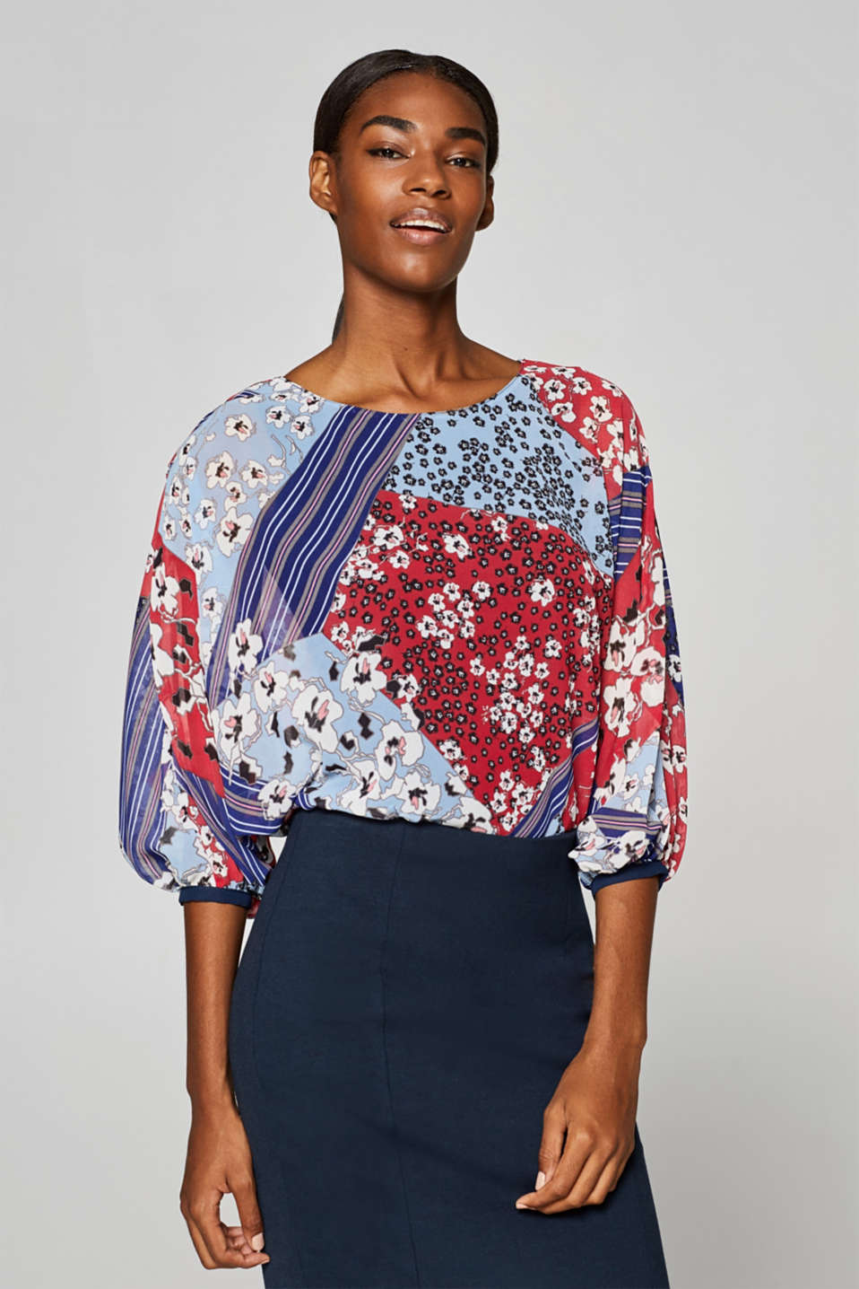 Esprit - Unique: Blouse with a varying print