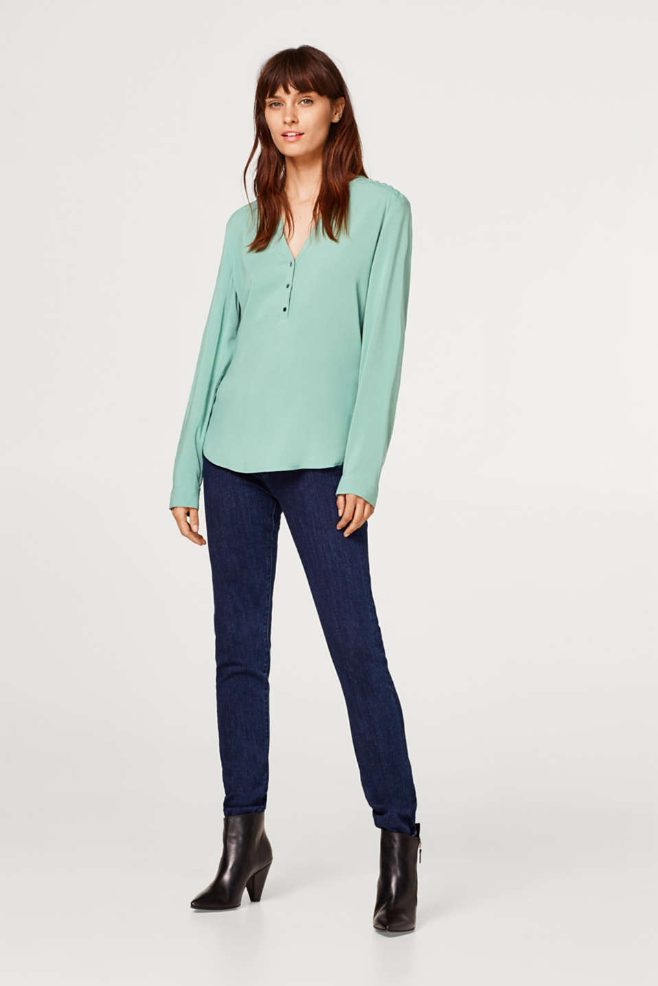 Henley blouse with quilted details