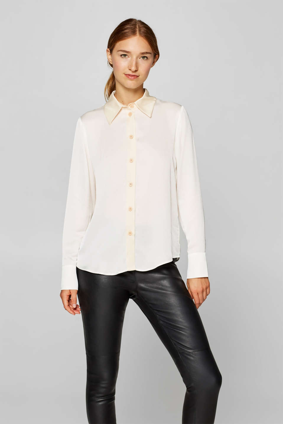 Esprit - Shirt blouse with contrasting details