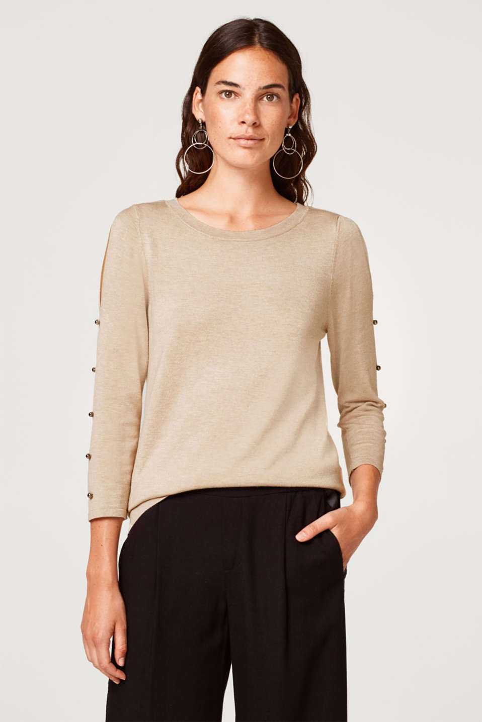 Esprit - Sweater med cut-outs og pynteknapper