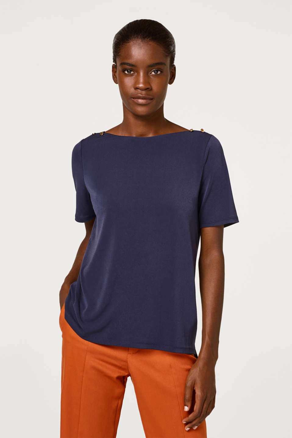 Esprit - Crêpe T-shirt with small decorative buttons