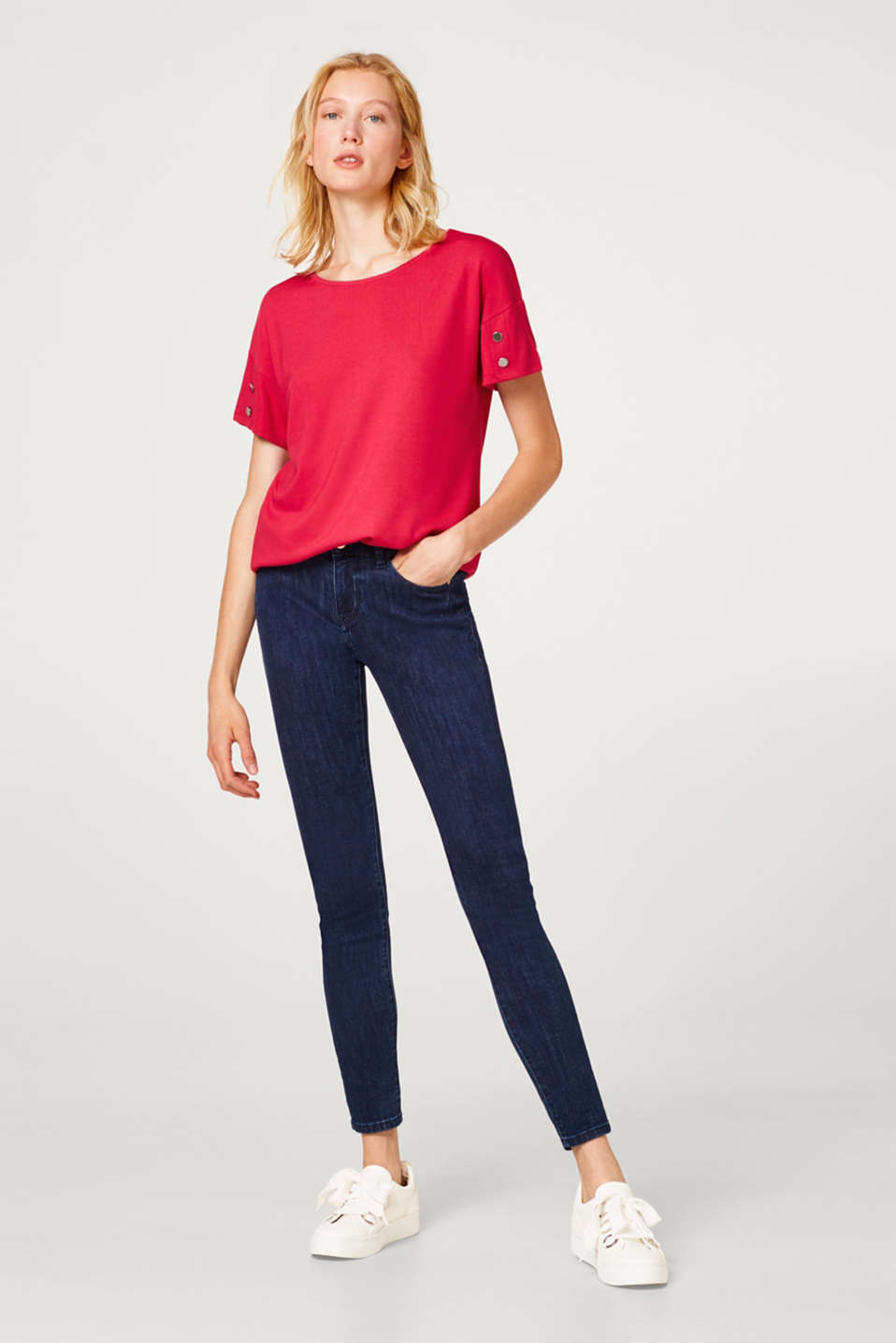 Stretch top with sleeve buttons