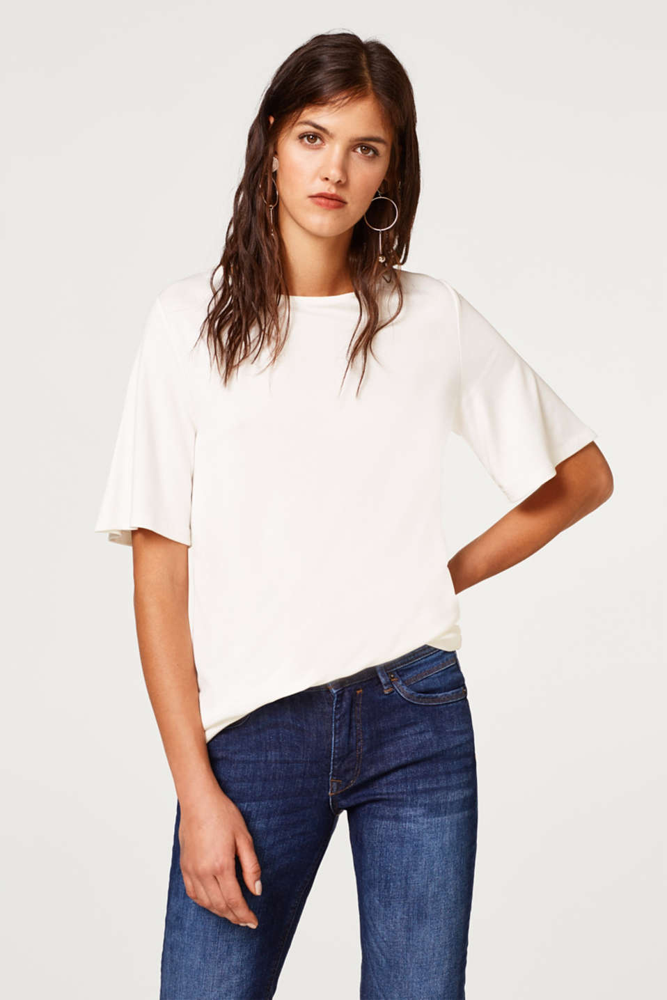 Esprit - T-shirt with a cut-out at the back