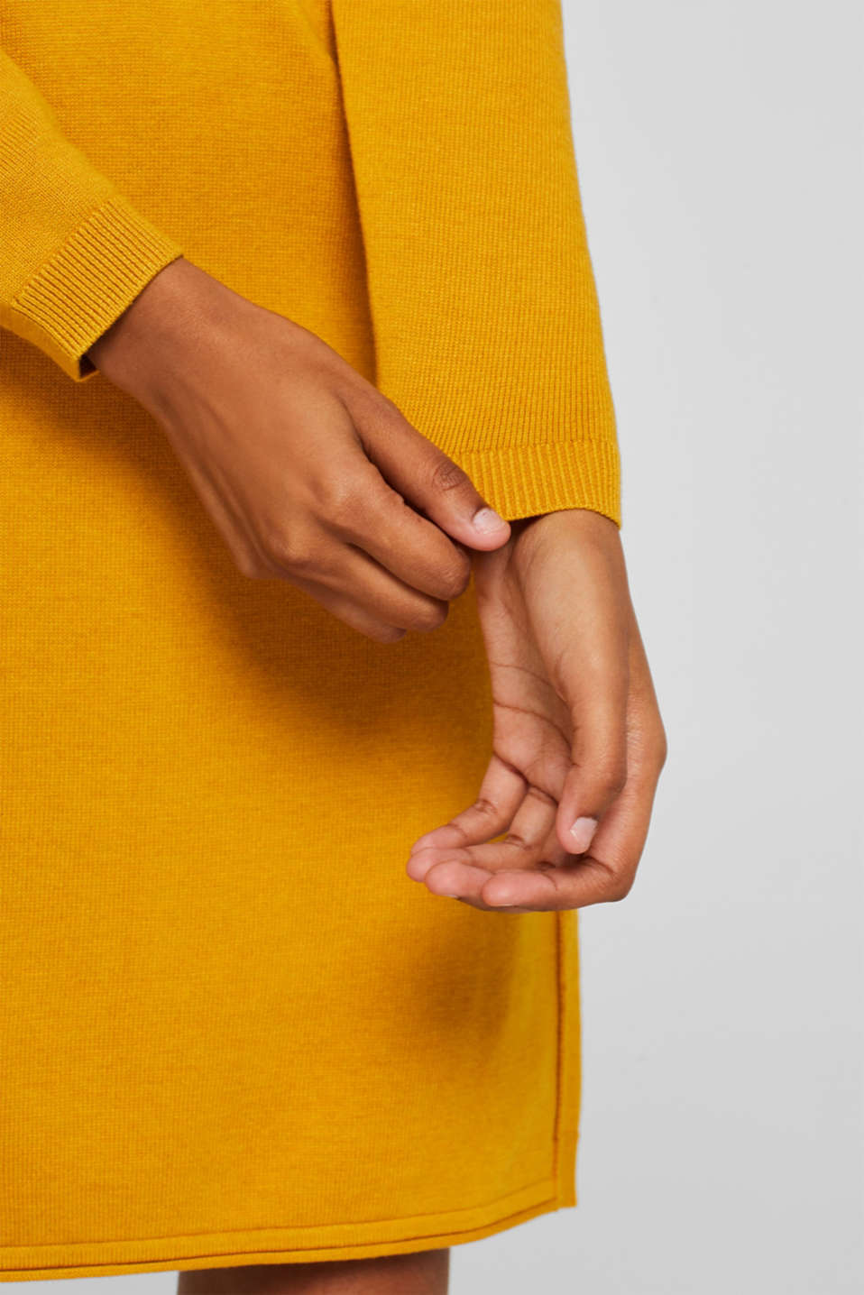 Basic knit dress with rolled edge, BRASS YELLOW, detail image number 1