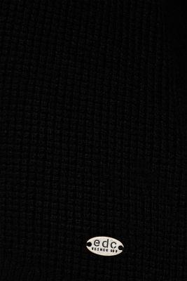 Textured V-neck jumper
