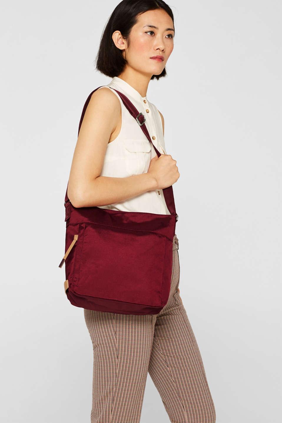 Nylon shoulder bag, BORDEAUX RED, detail image number 1