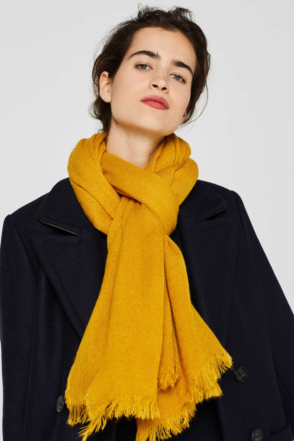 Fringed woven scarf, HONEY YELLOW, detail image number 1
