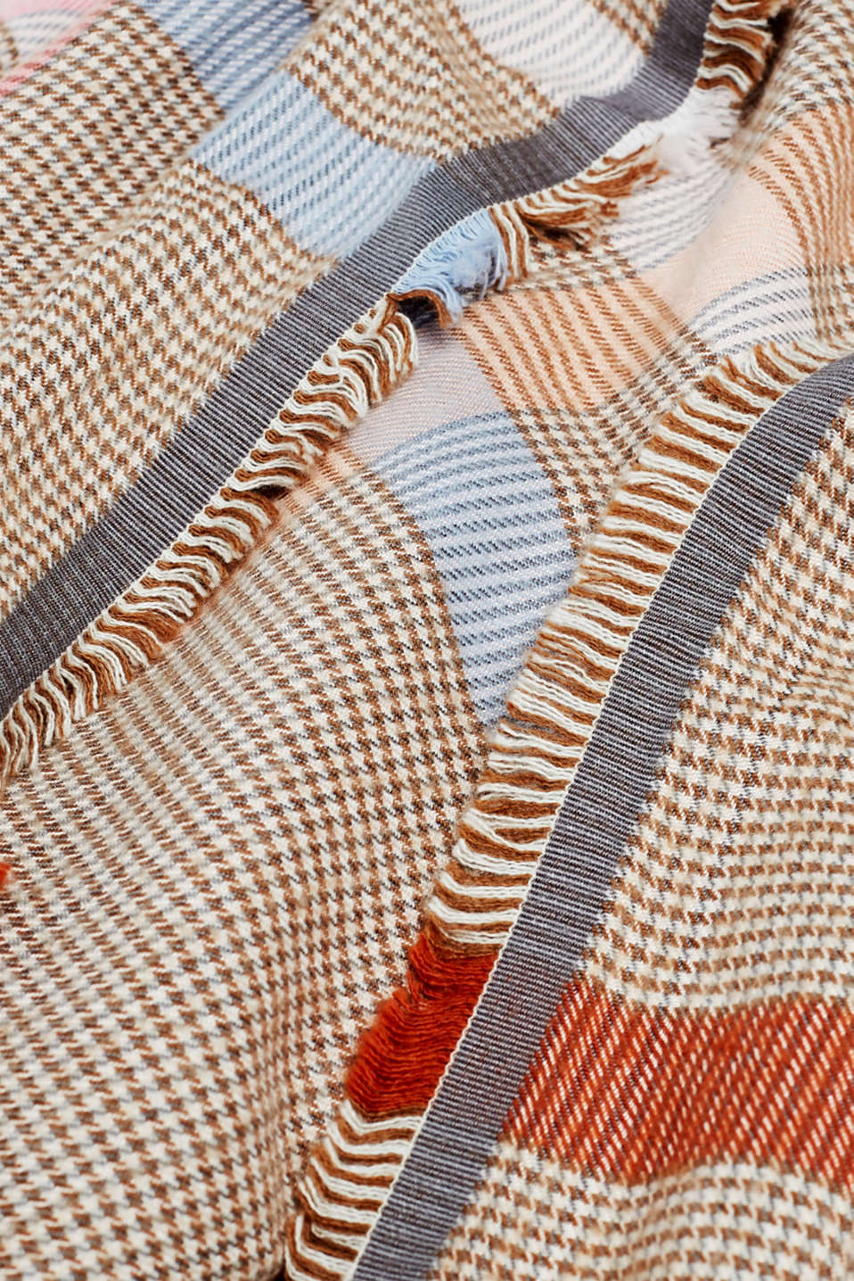 Scarf with LENZING™ ECOVERO™, BEIGE, detail image number 2