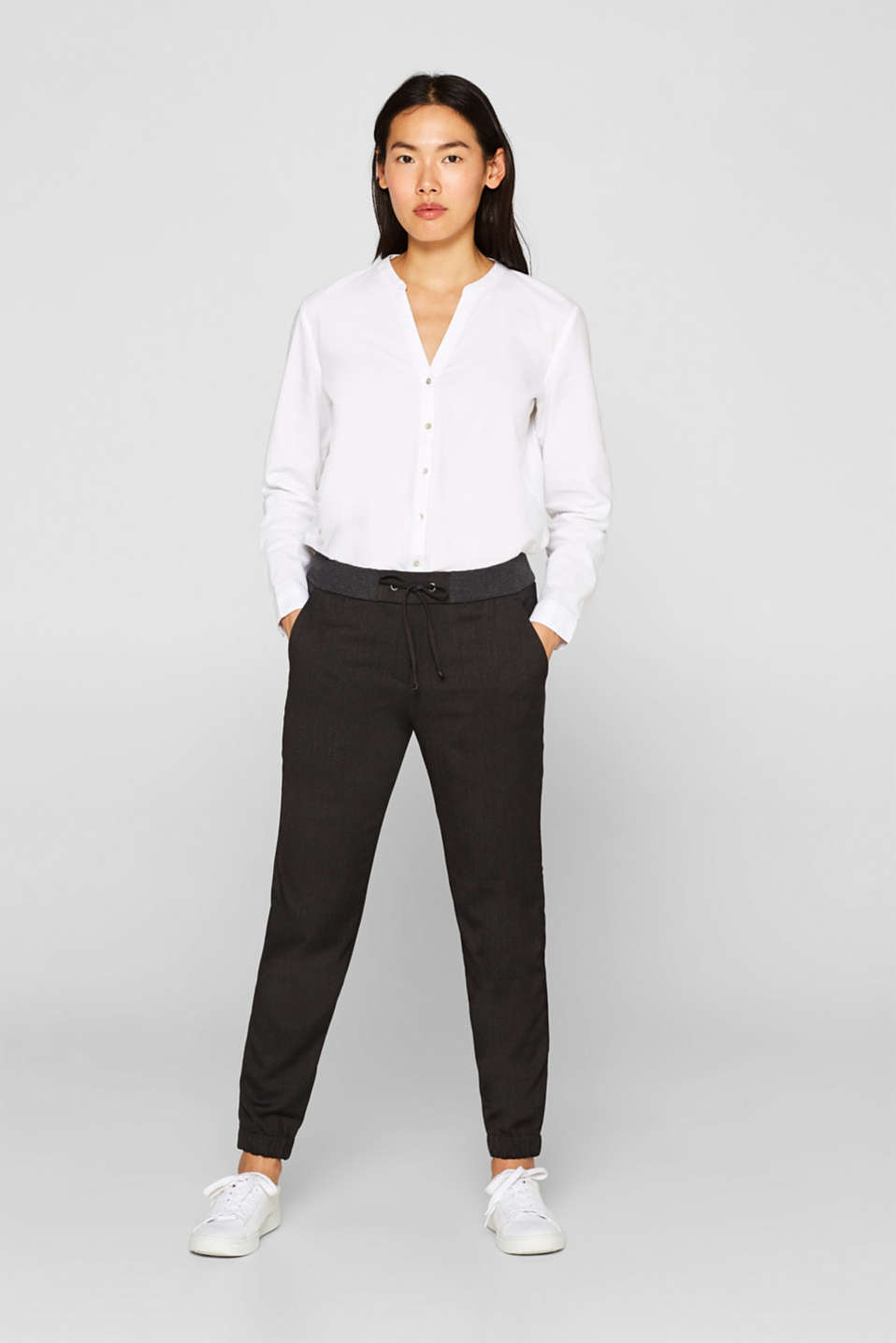 Esprit - Tracksuit bottom trousers with an elasticated waistband
