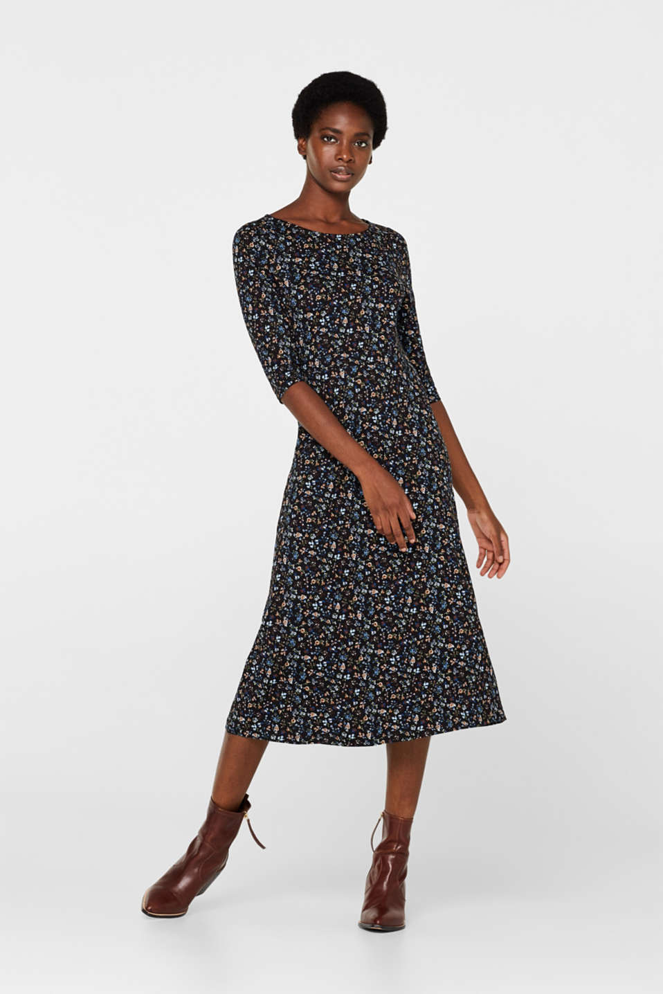 Esprit - Midi dress with an all-over print