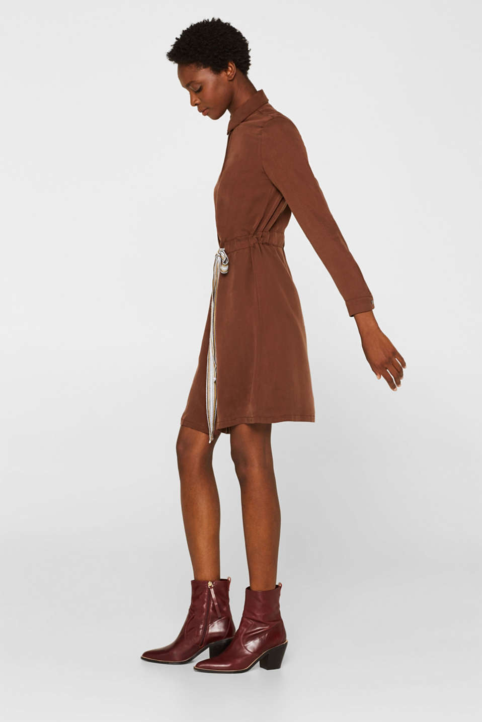 Made of TENCEL™: Shirt blouse dress with a waistband, BROWN, detail image number 5