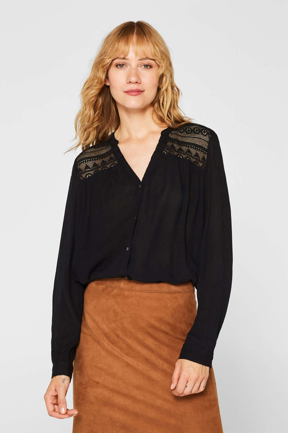 Esprit - Henley blouse in a crinkled look