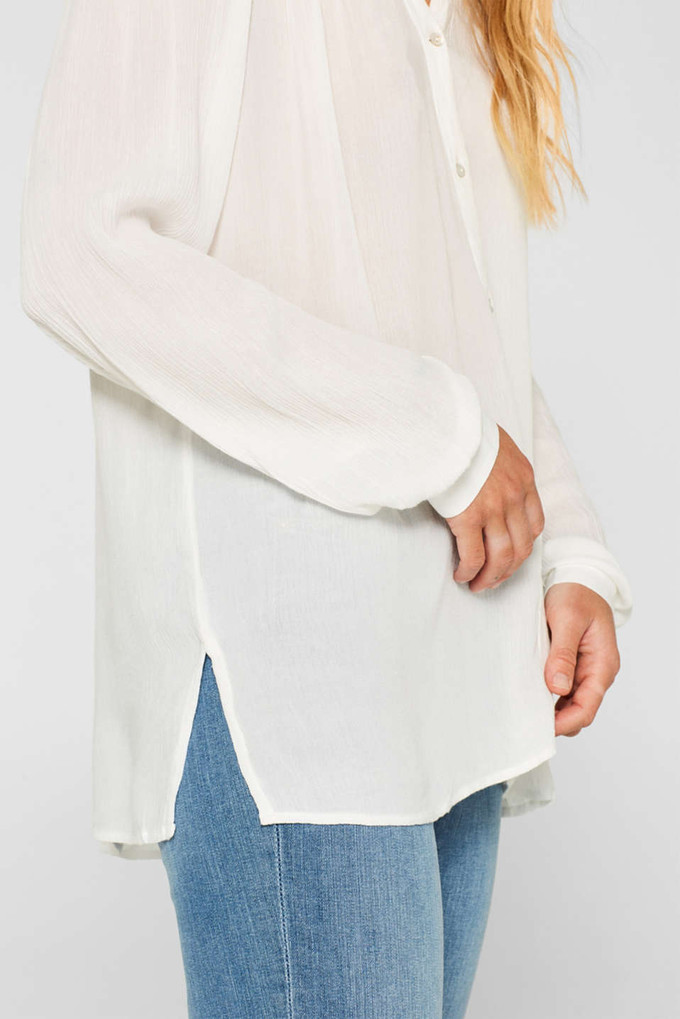 Henley blouse in a crinkled look, OFF WHITE, detail image number 2
