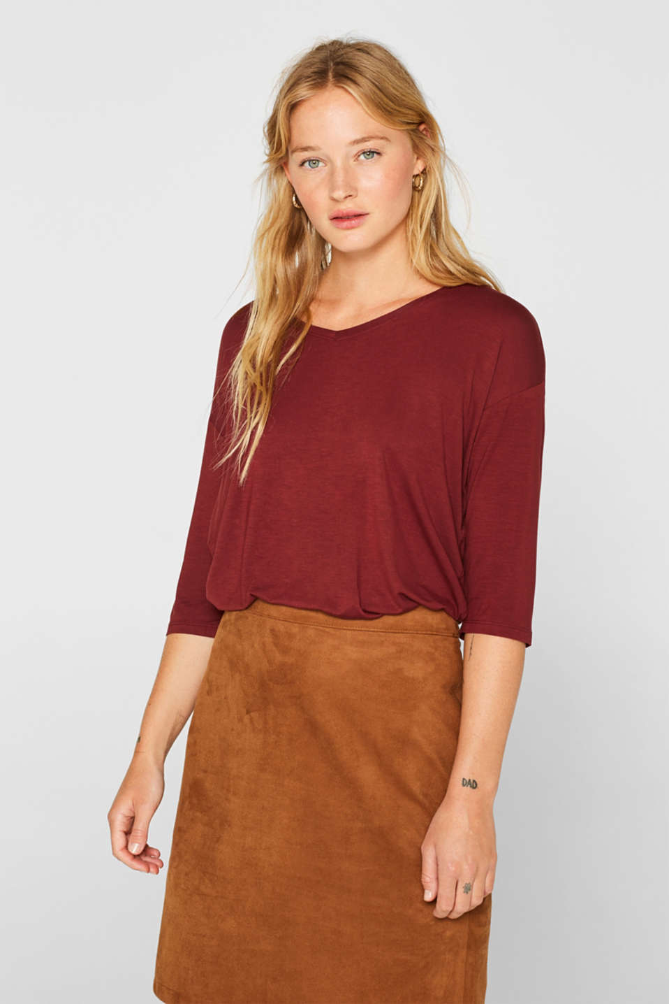 Esprit - Flowing stretch T-shirt with a V-neckline