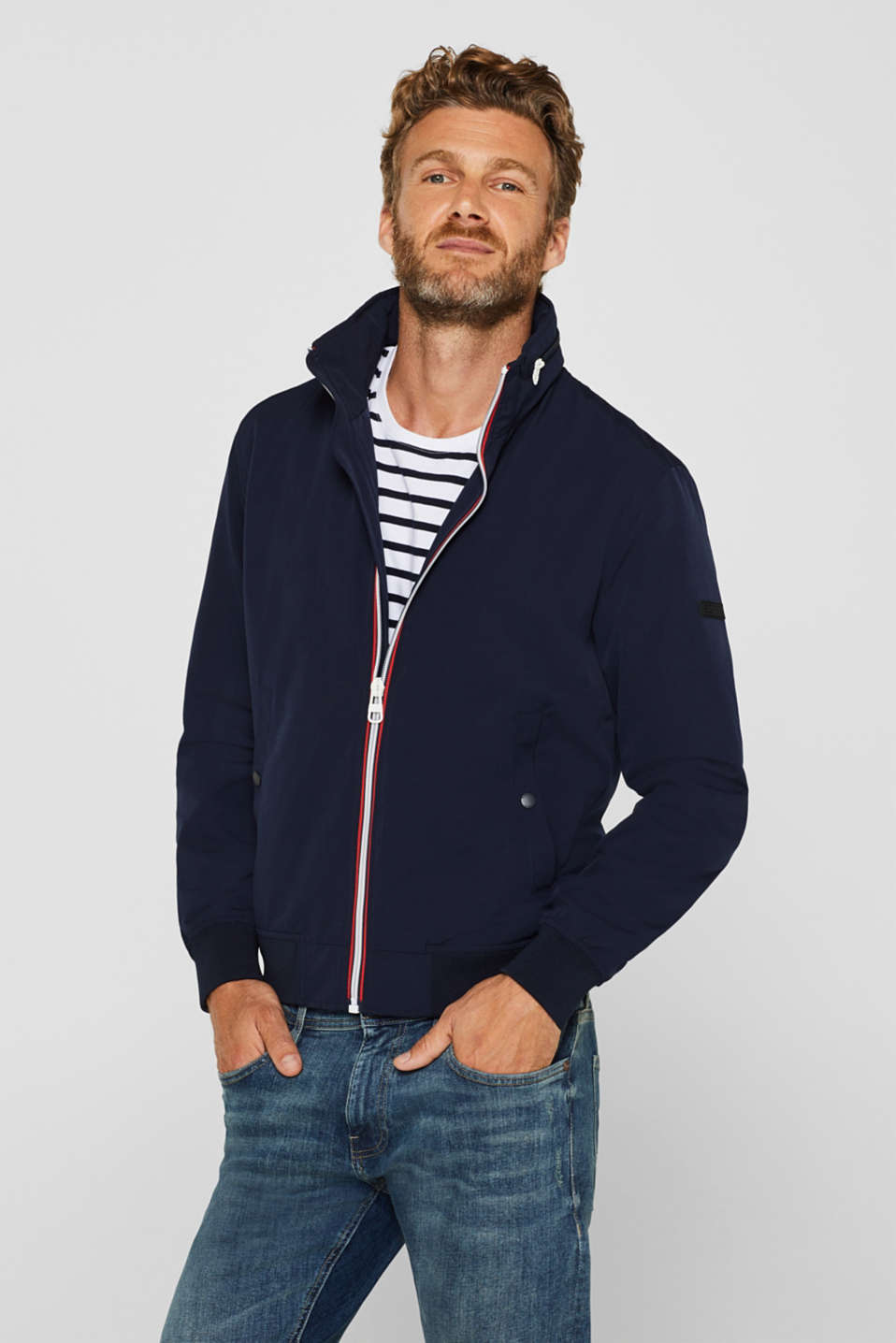 Esprit - Bomber jacket with an adjustable hood