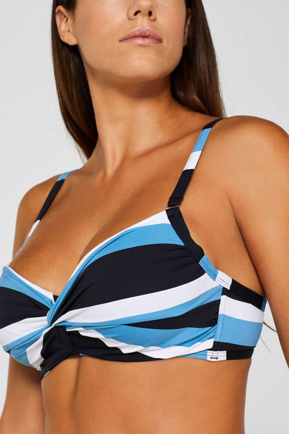 Top with concealed underwiring for large cup sizes, BLACK, detail image number 2