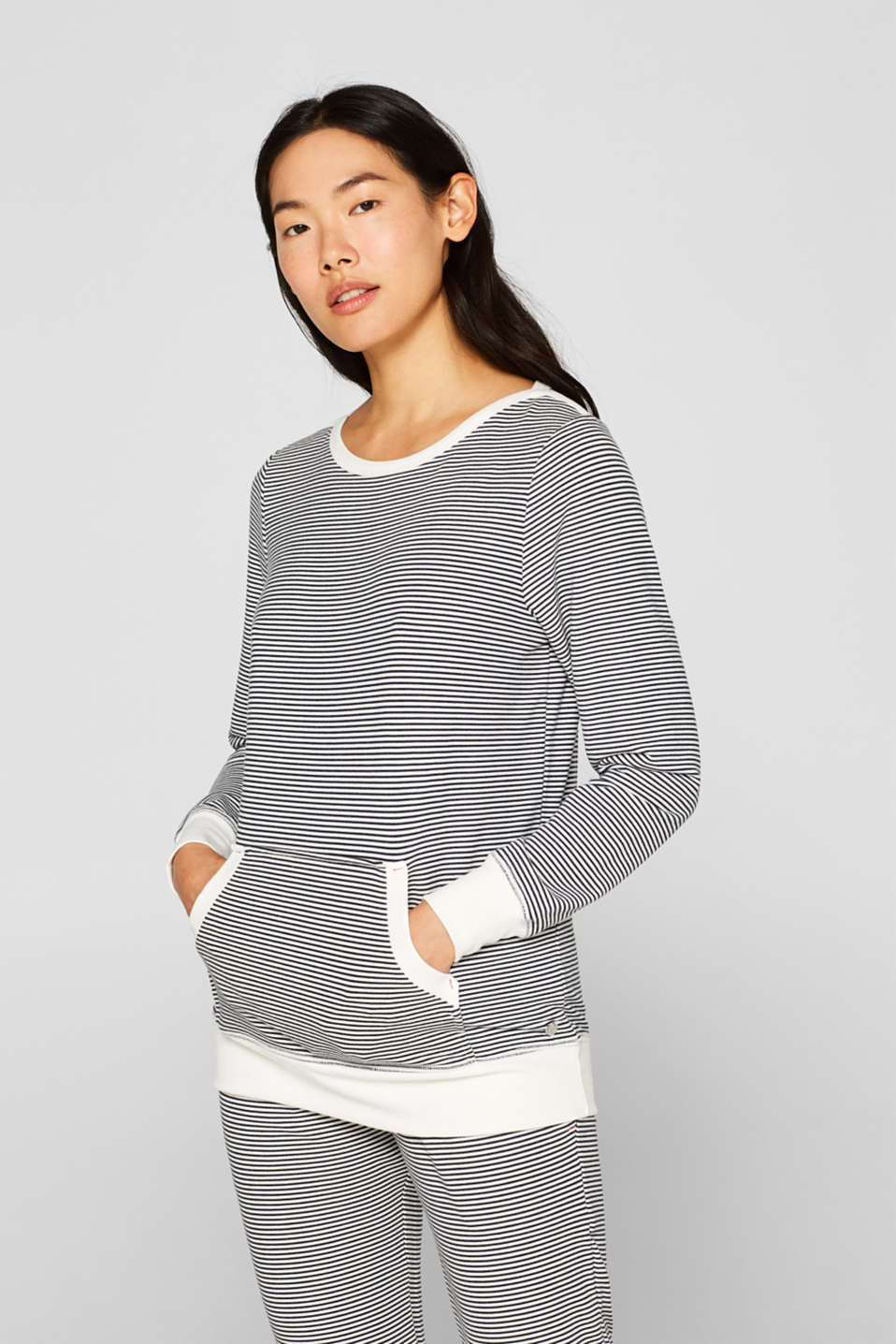 Esprit - Stretch long sleeve top with a kangaroo pocket