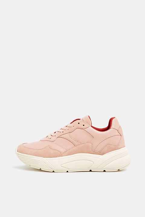 Trendy trainers made of a material mix with leather