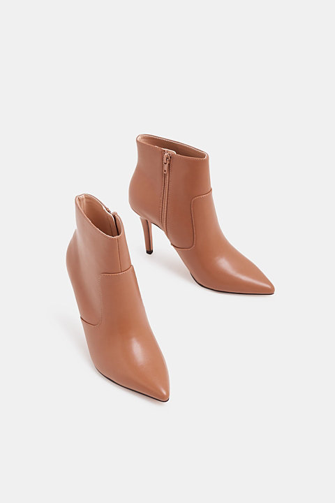 Ankle boots with kitten heel, made of faux leather