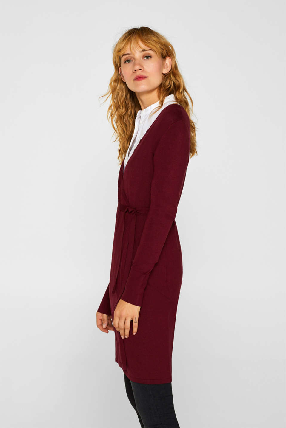 Wrap-over knit dress with LENZING™ ECOVERO™, GARNET RED, detail image number 4